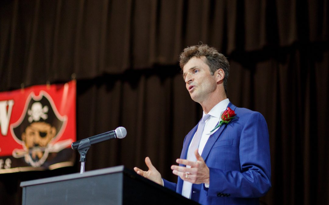 John speaks at Plainview High School graduation ceremony